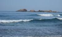 1280px-Hikkaduwa,_sea_with_rocks.JPG