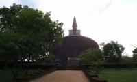 rankot-vihara-largest-stupa-in-polonnaruwa-108ft-polonnaruwa-sri-lanka+1152_12902905002-tpfil02aw-1346.jpg